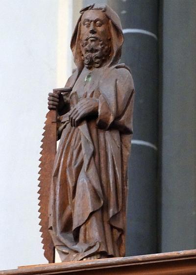 apostel met zaag