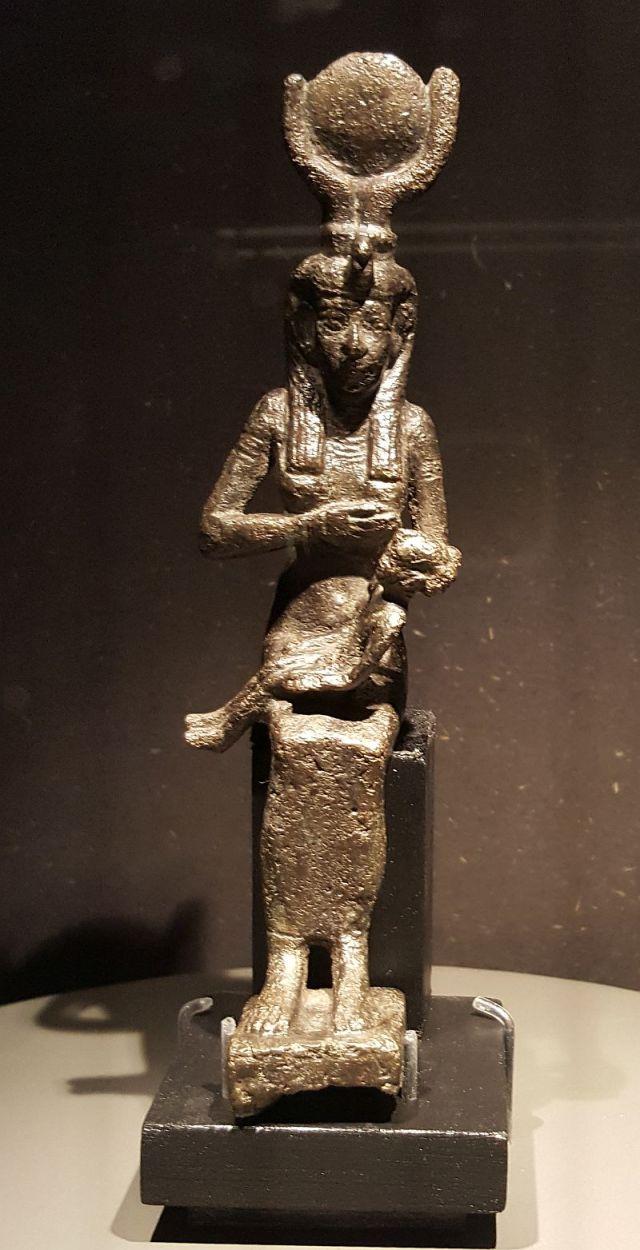 isis-horus