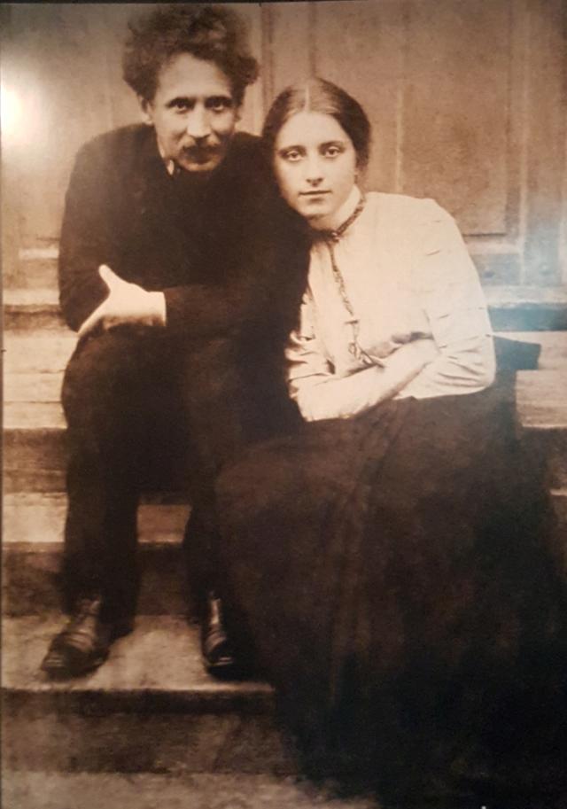 ciurlionis met vrouw